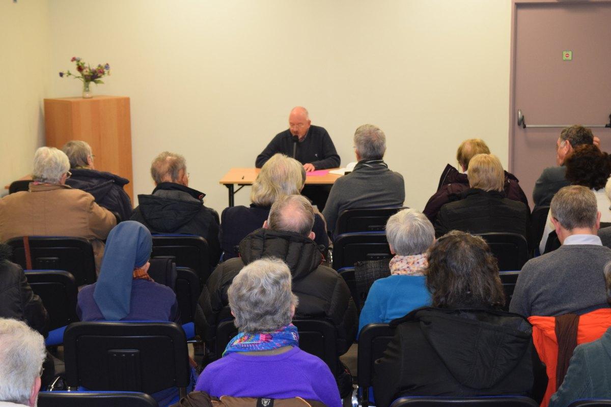 une trentaine de personnes se sont rassemblées pour écouter et méditer l'Évangile de dimanche