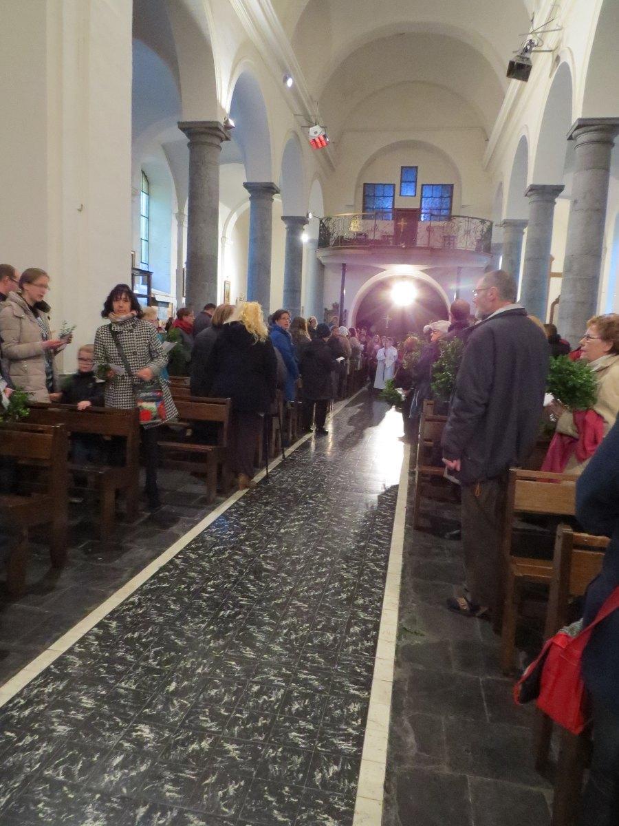 Messe familles aux Rameaux HERGNIES St Fr (01)