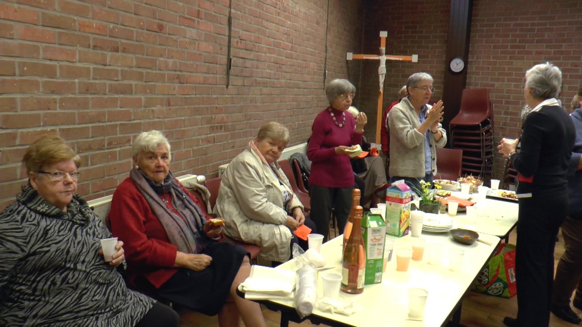 Bernadette, Geneviève, Annie, Francine (resp de l'équipe de Sin Le Noble), Béatrice, Pierrette.