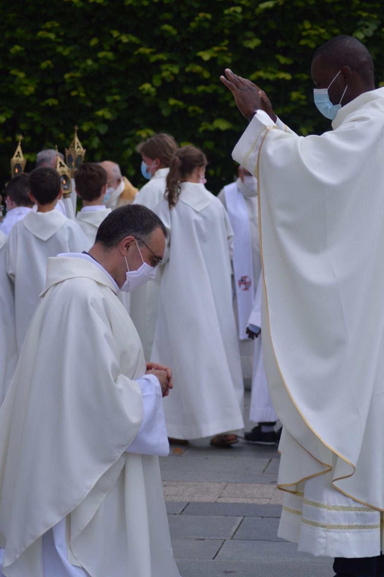 ordination lionel cambrai 44