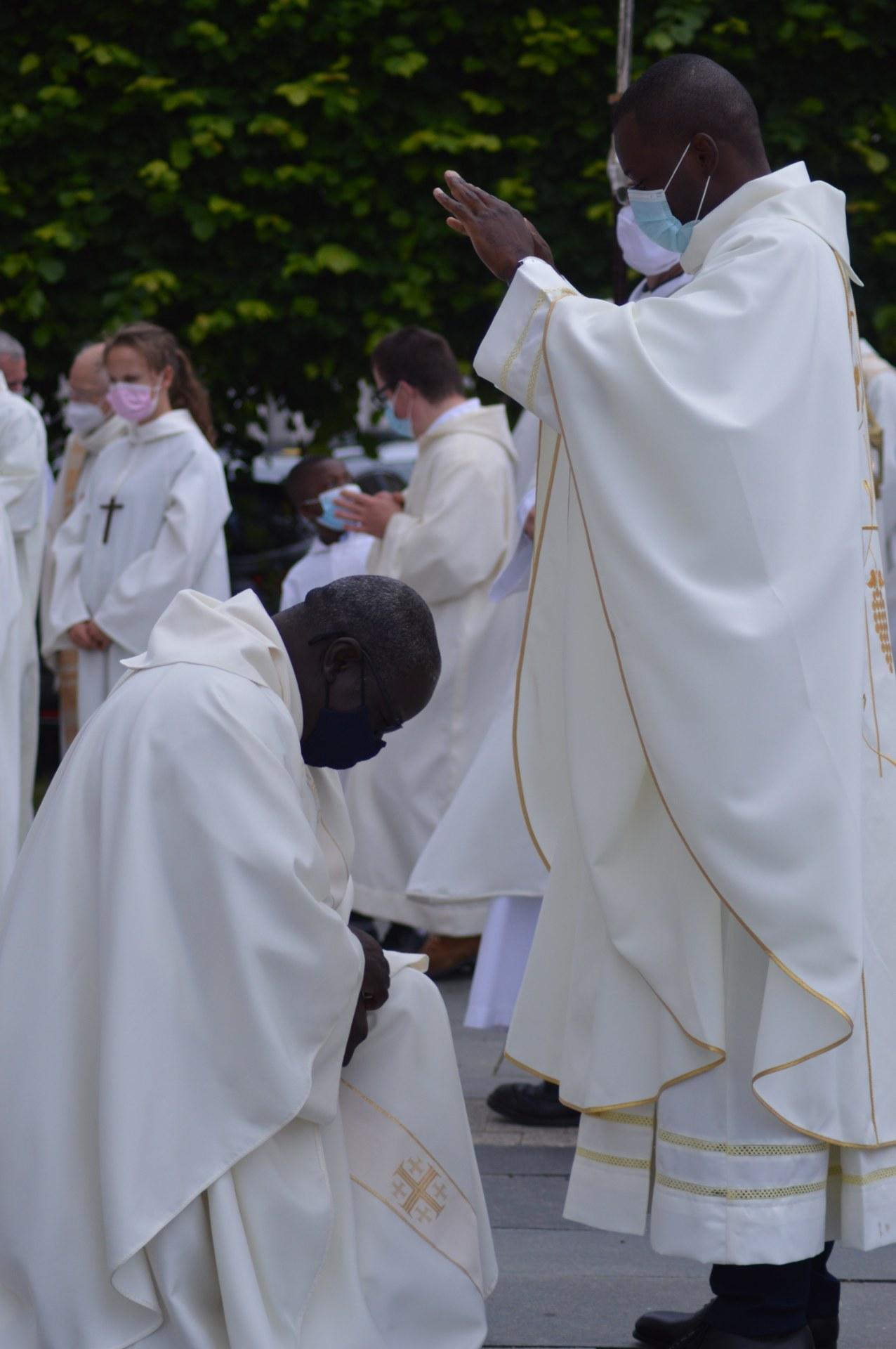 ordination lionel cambrai 45