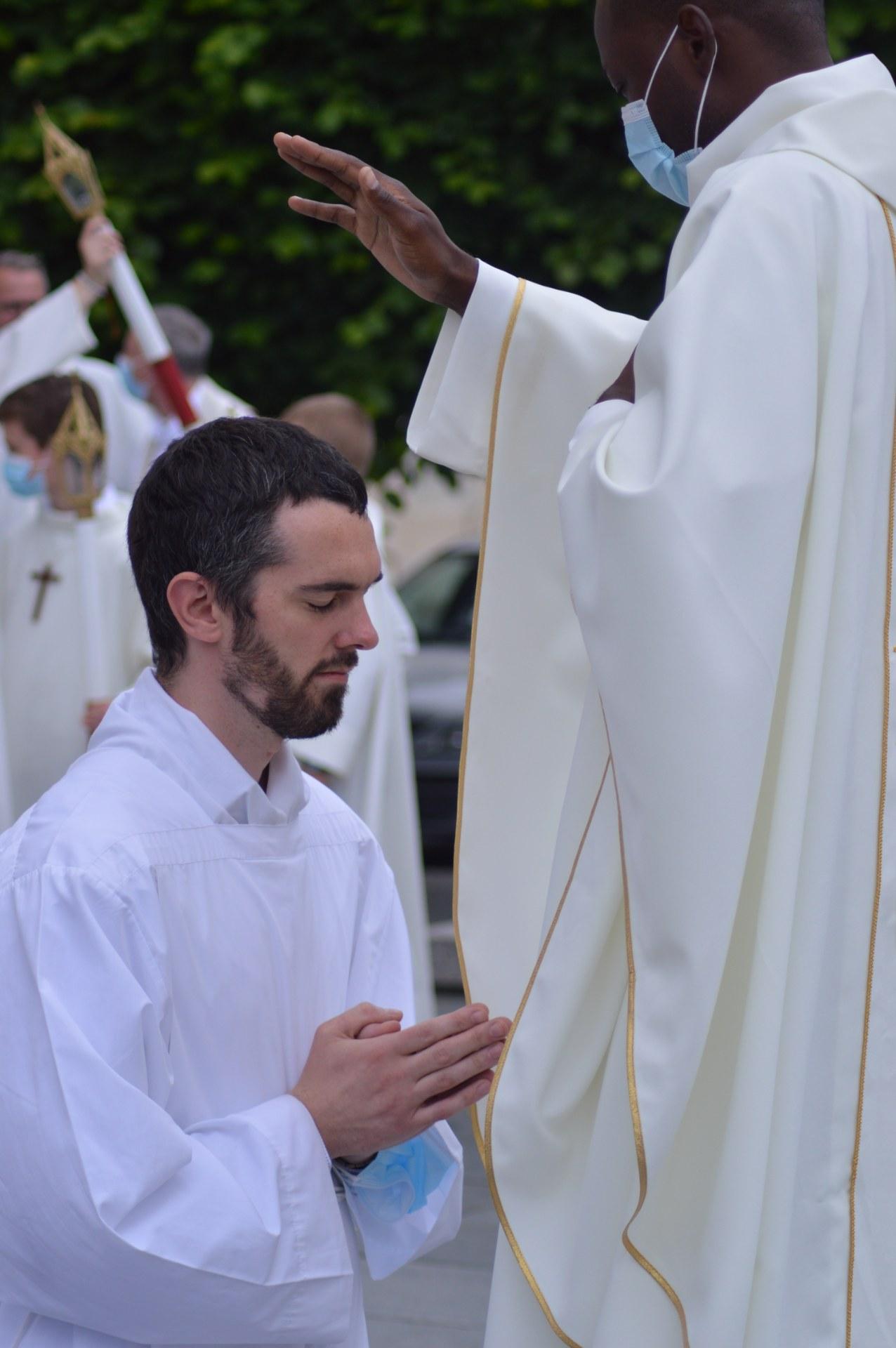 ordination lionel cambrai 48