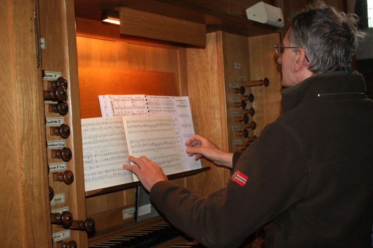 A l'orgue...