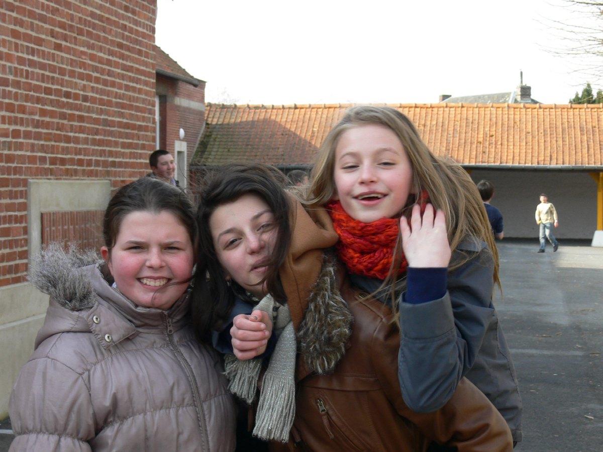 souvent par trois les filles