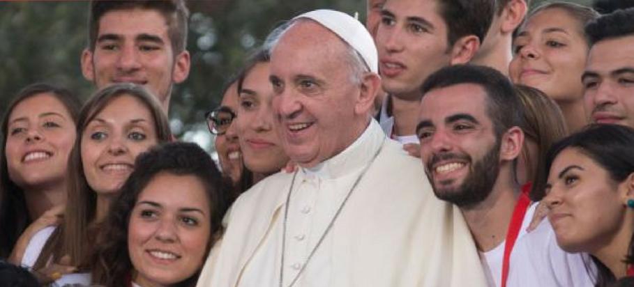 Pape Francois_jeunes1_maj