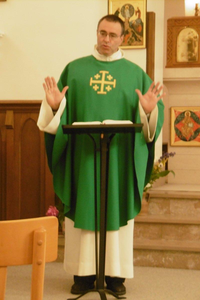 Pendant la messe (1)