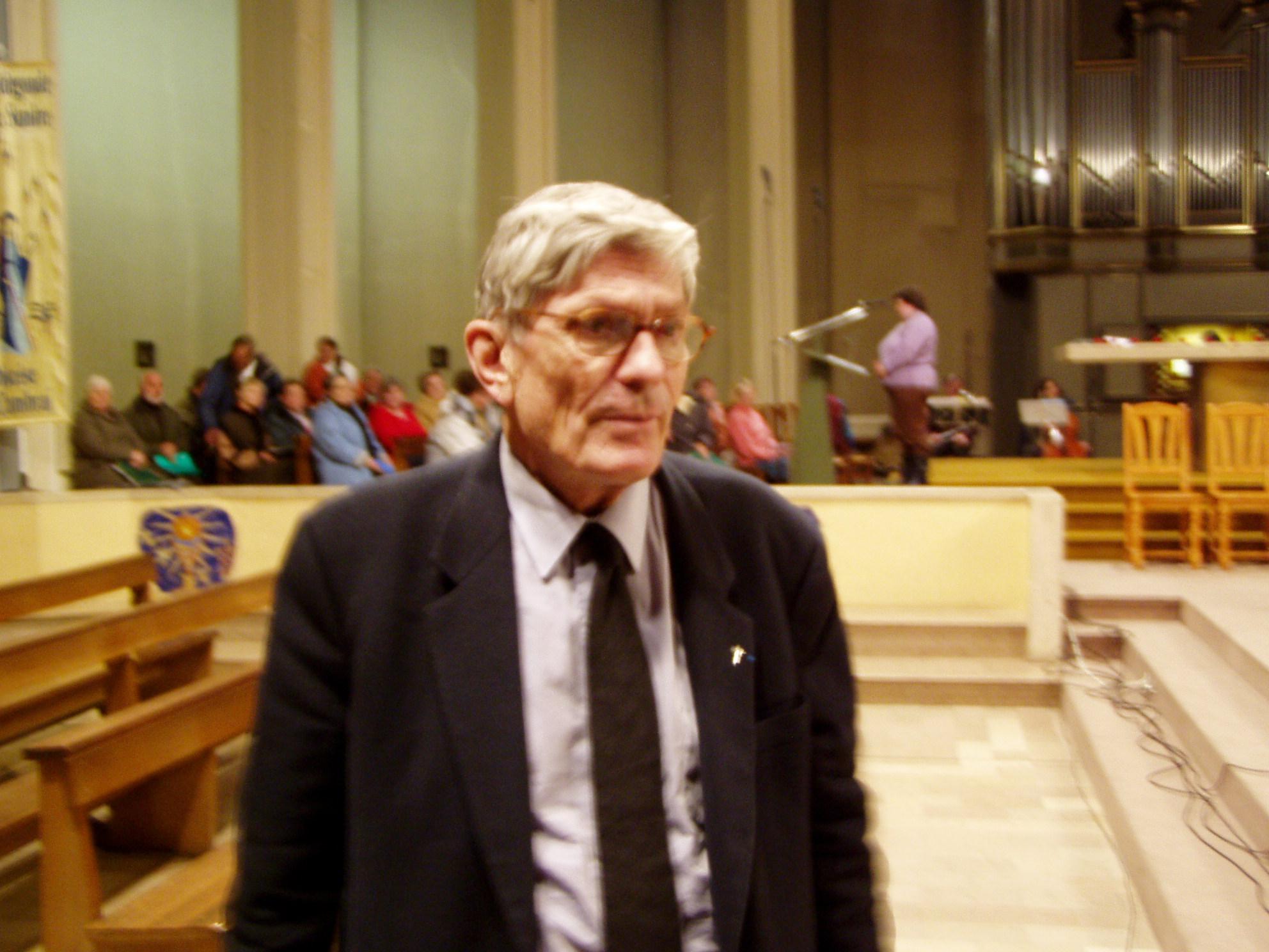 le père Alain Caron de la Carrière