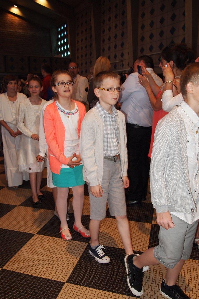 Premiere des communions Juin 2015 (18)