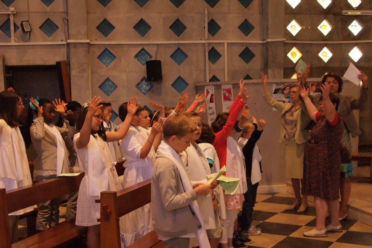 Premiere des communions Juin 2015 (48)