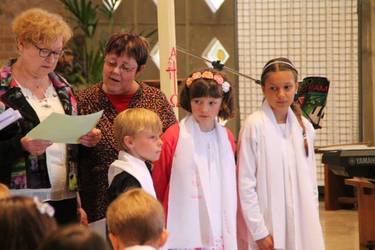 Premiere des communions Juin 2015 (59)