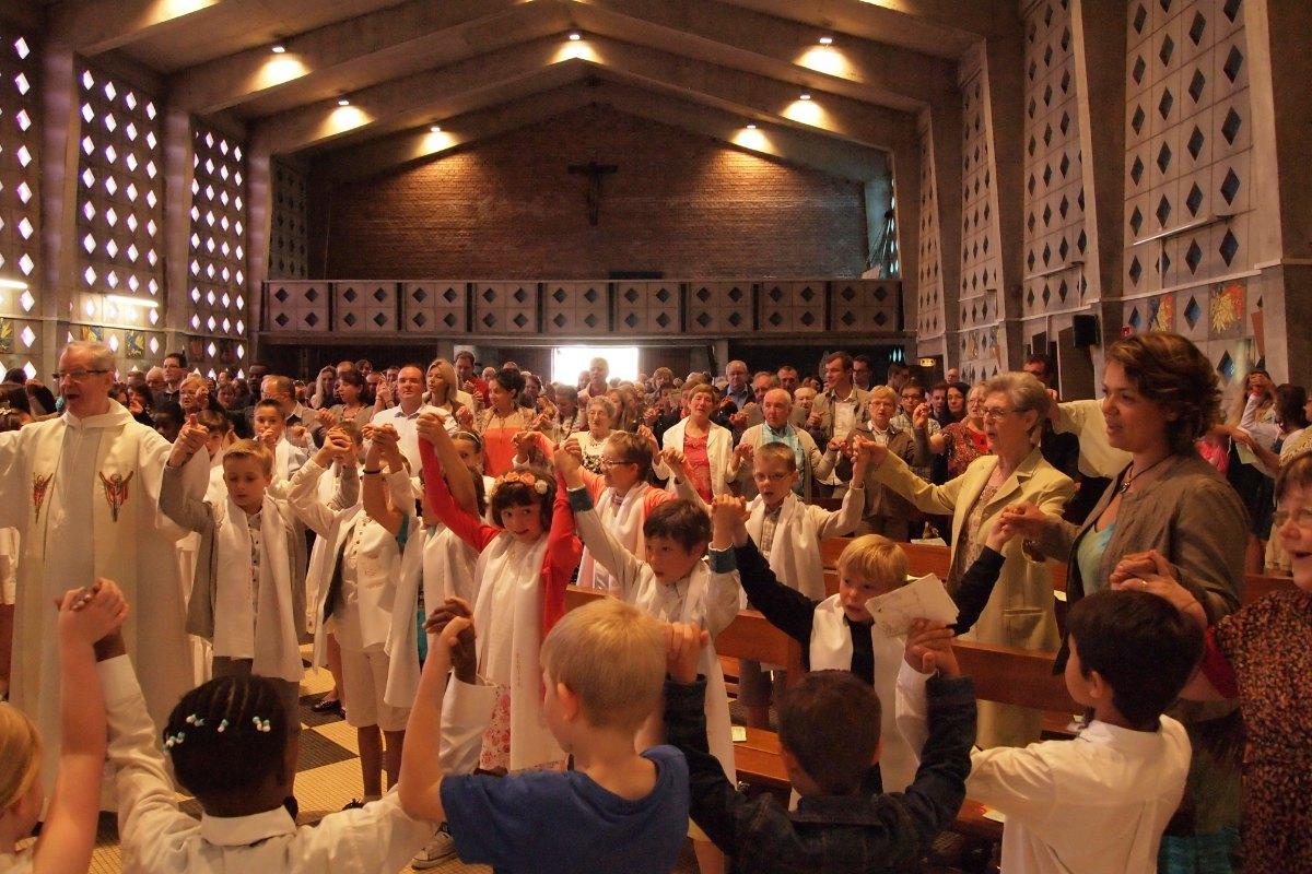 Premiere des communions Juin 2015 (87)