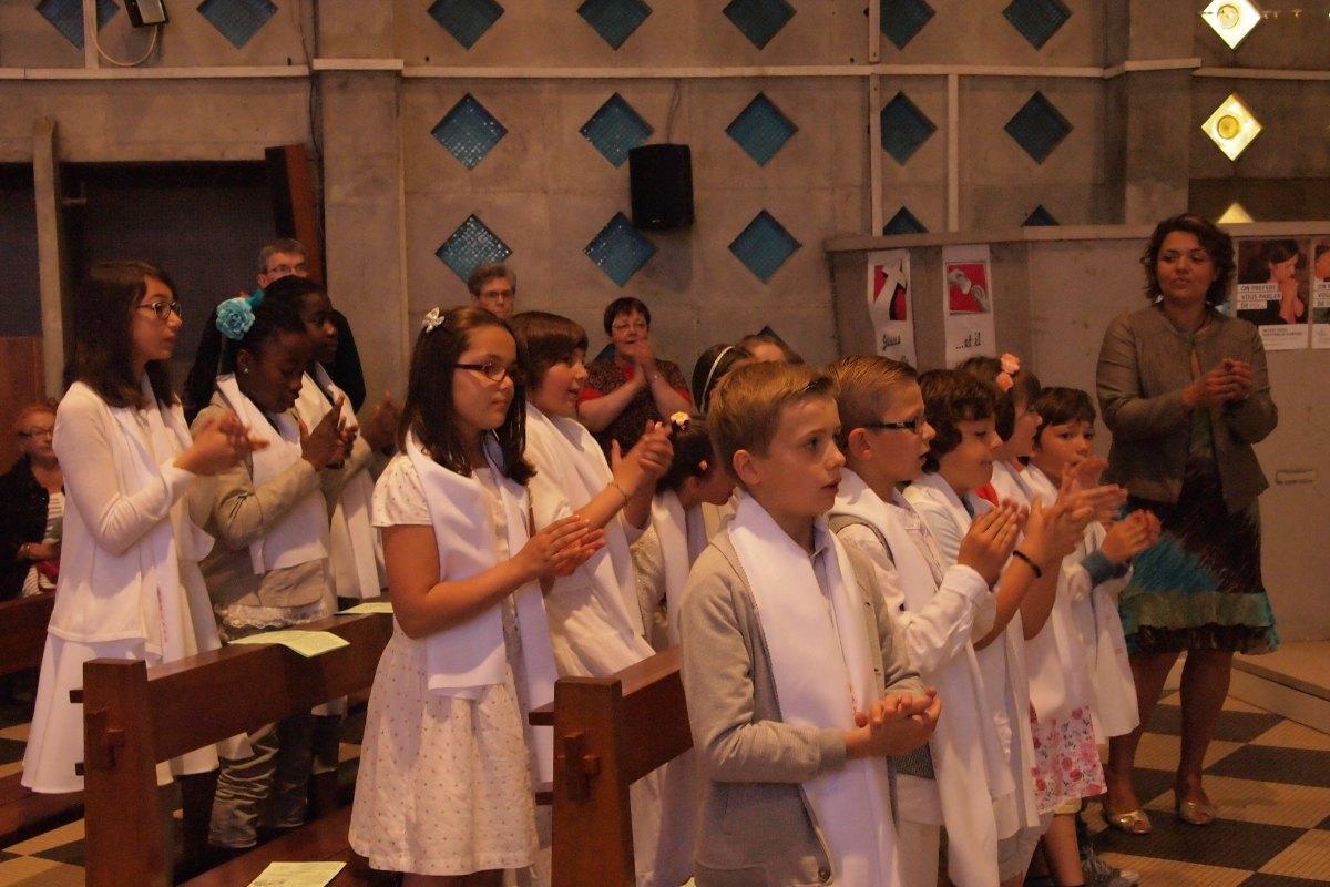 Premiere des communions Juin 2015 (91)