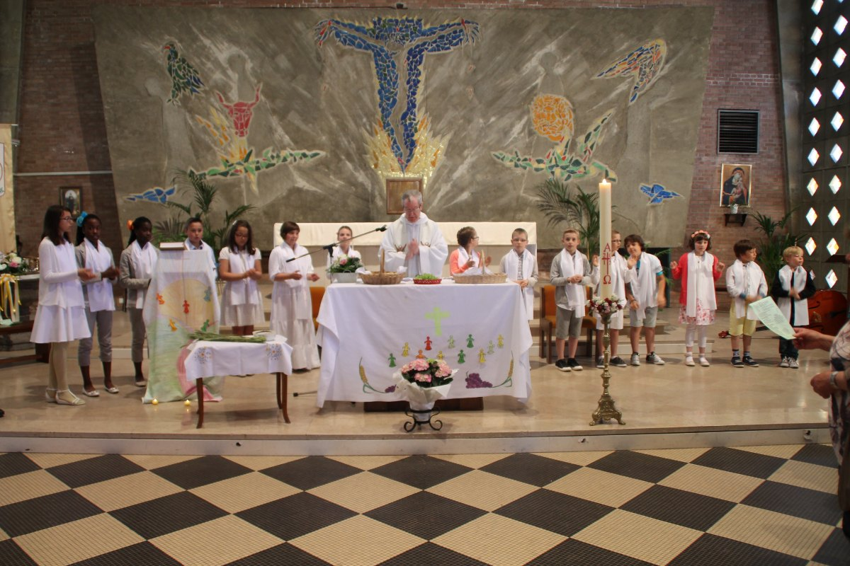 Premiere des communions Juin 2015 (97)