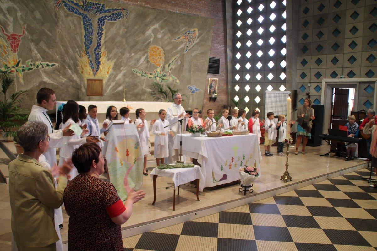 Premiere des communions Juin 2015 (98)