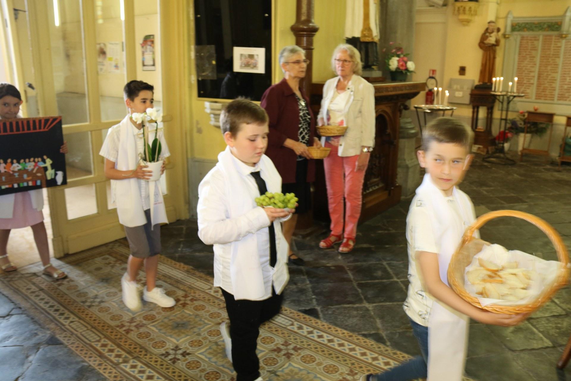 Premières des Communions 104