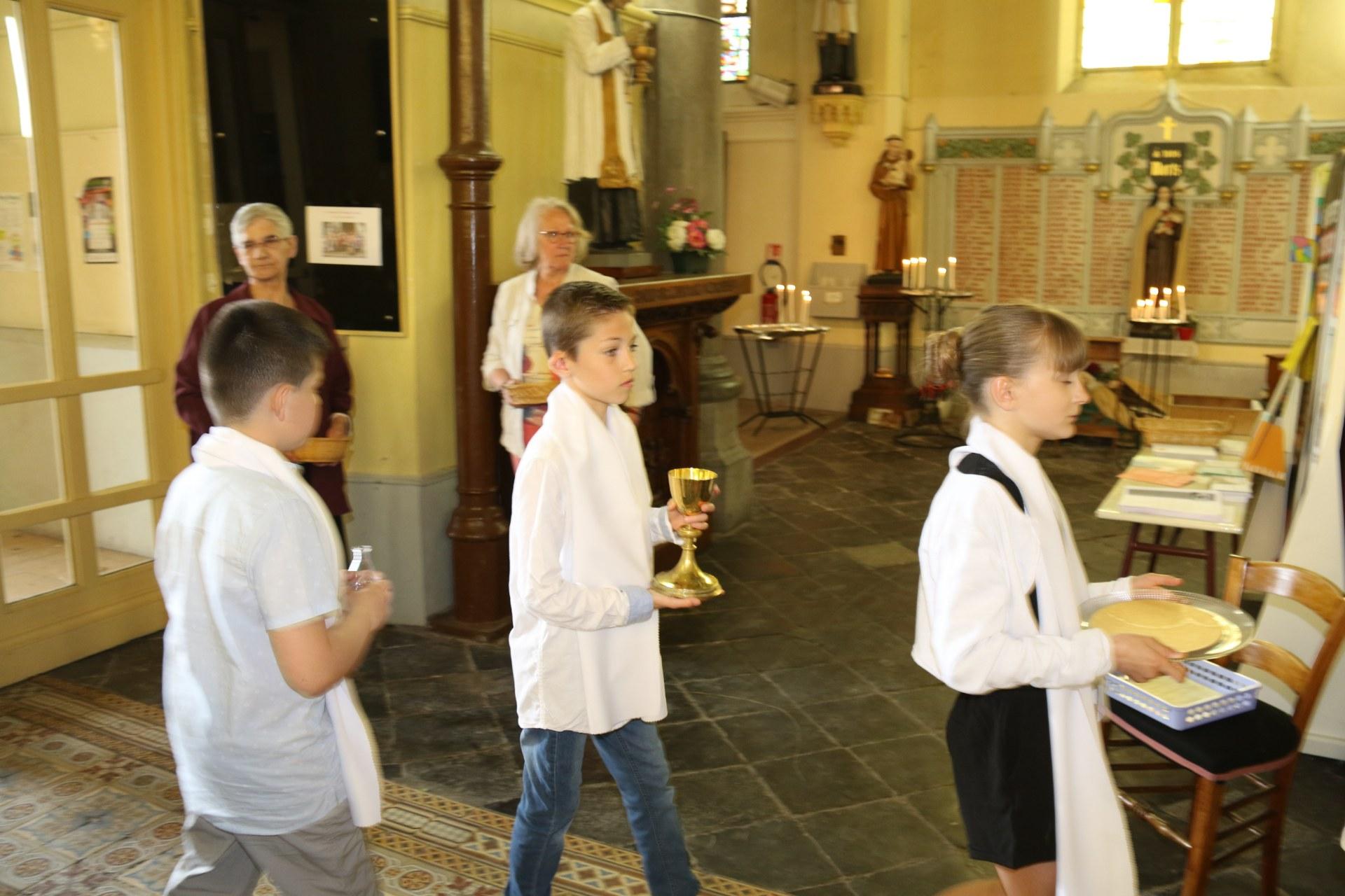 Premières des Communions 107