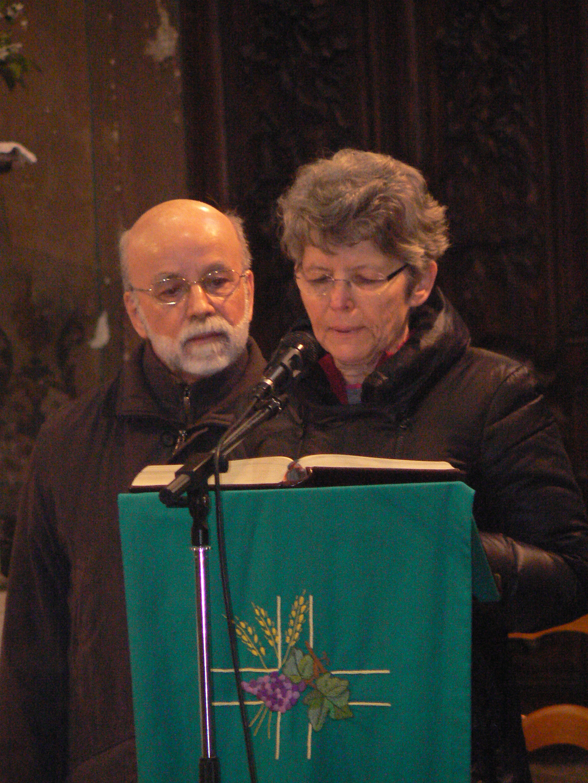 prière universelle préparée et lue par un couple responsable des 'préparations au mariage'