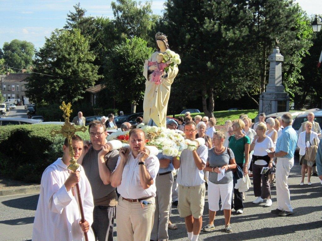 procession ND.JPG