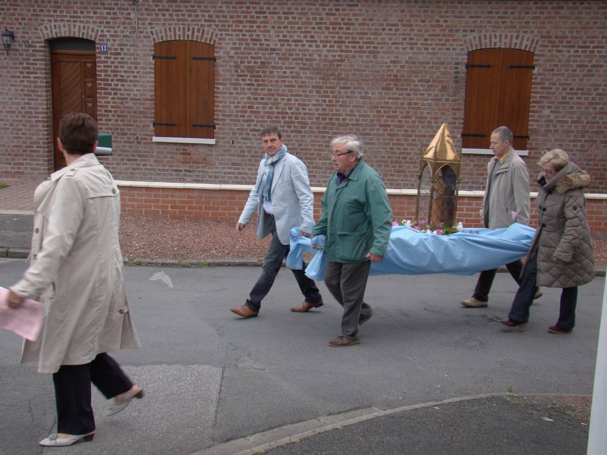procession_neuvaine_3.JPG