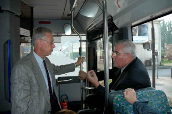 Quand un Diacre rencontre un évêque en bus !