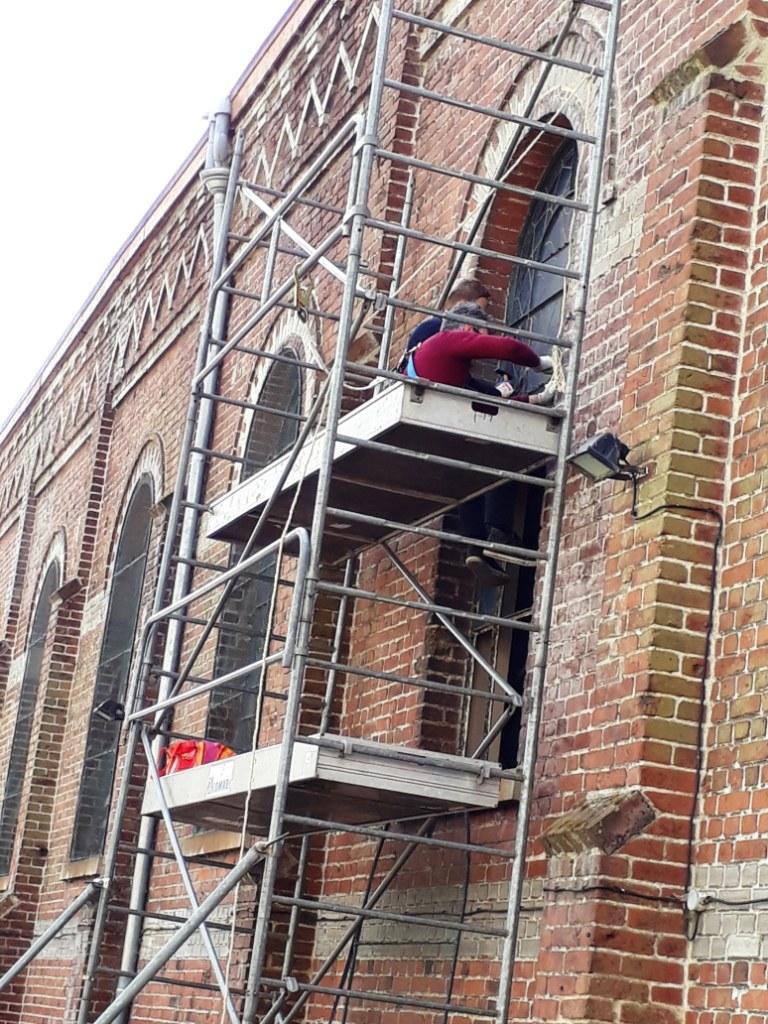 Renovation vitraux Briquette (0)