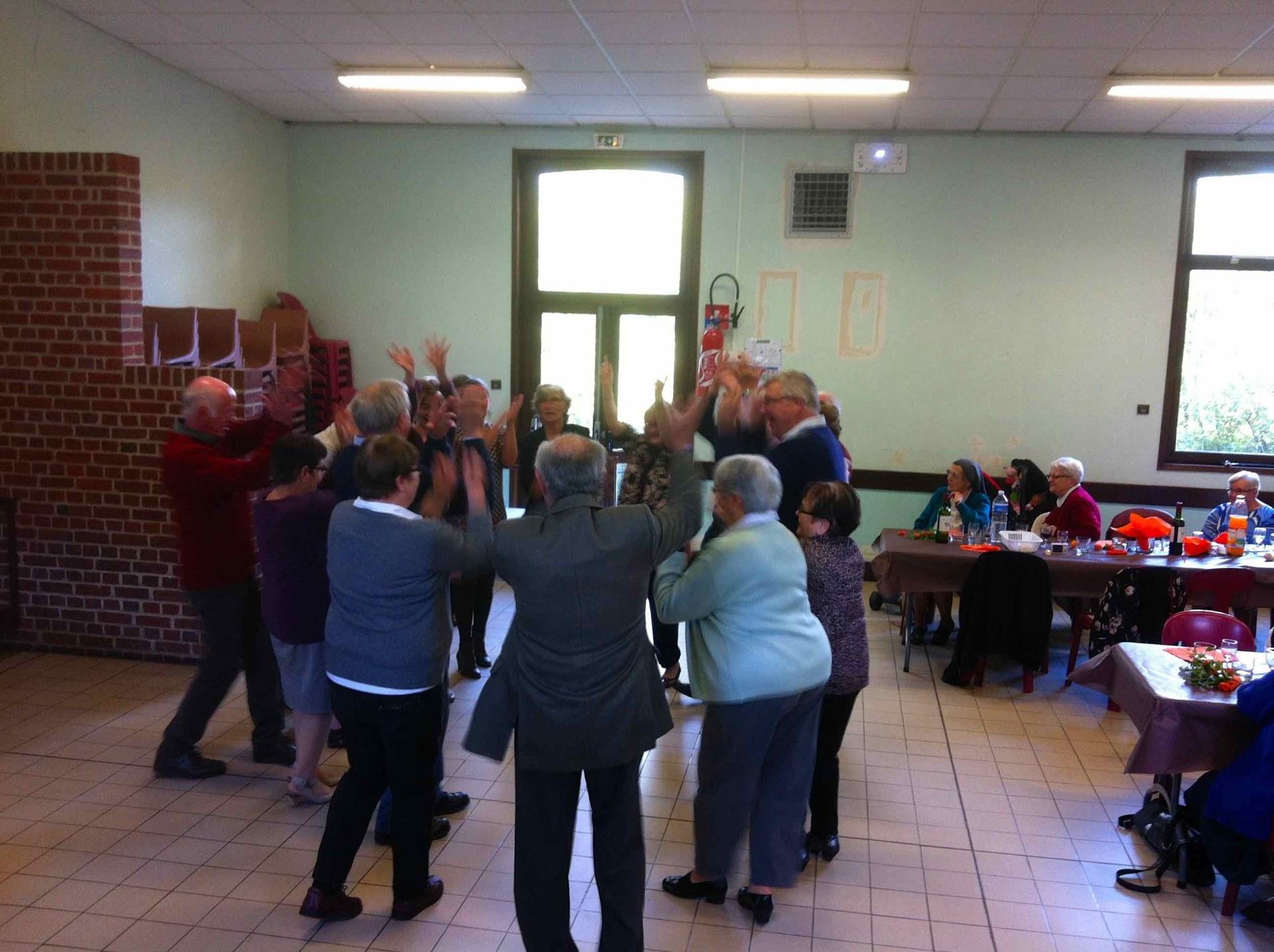 Et quelques danses sous l'impulsion de l'abbé Matthieu