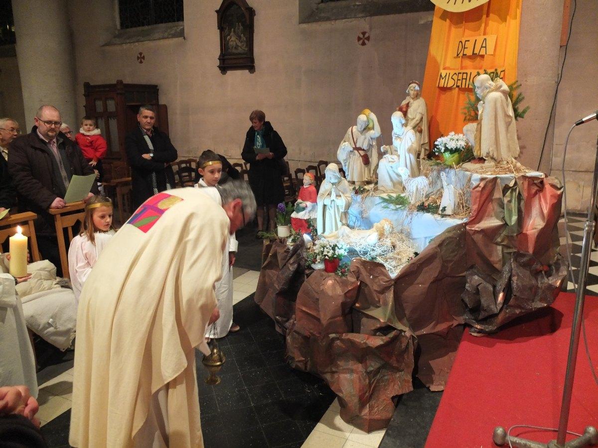 Jésus vient humblement restaurer bénir ce lieu, cette assemblée.