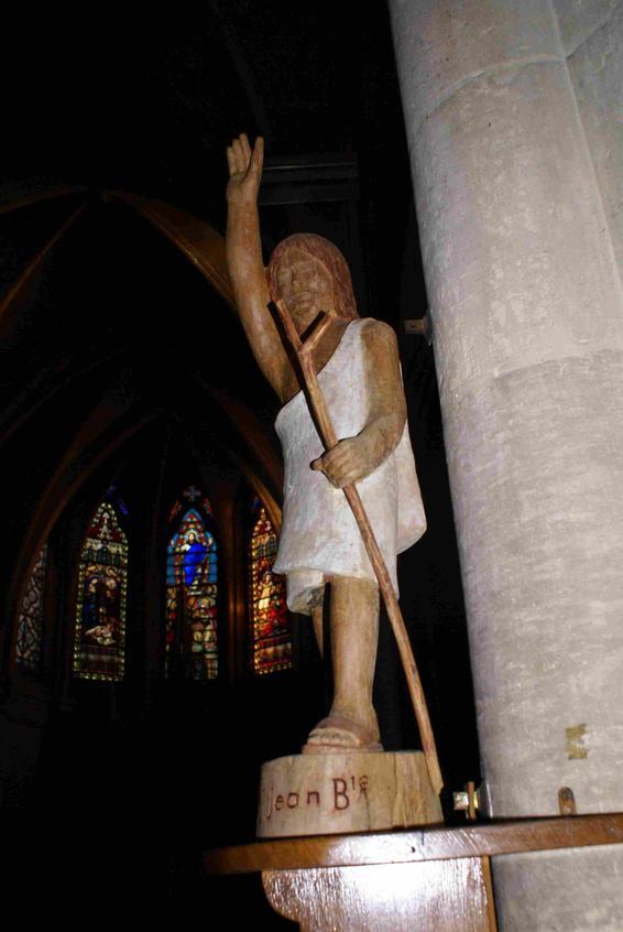 saint patron de notre paroisse dans son nom précédent, associé à l'Escaut qui ne passe loin ...là-bas comme nous le montre saint JB.