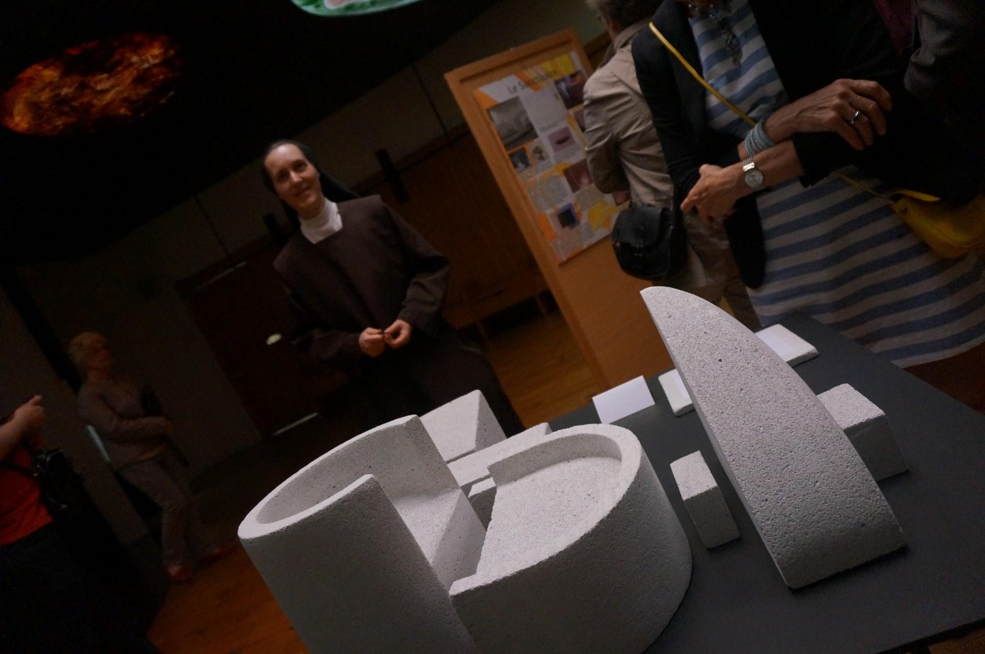 Sr Brume : peut être fière de  sa belle sculpture