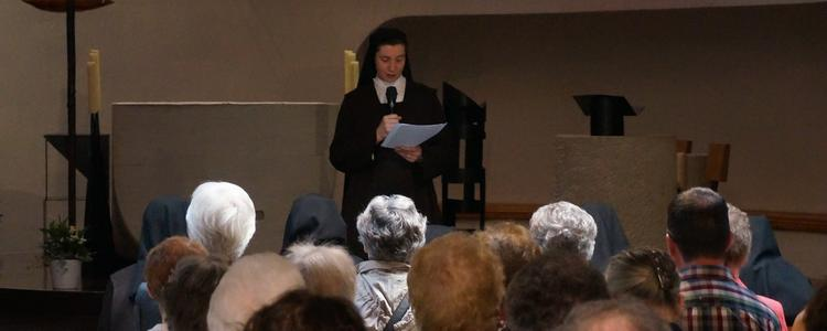 Sr Marie-Gabrielle à 16 h lance l'inauguration.