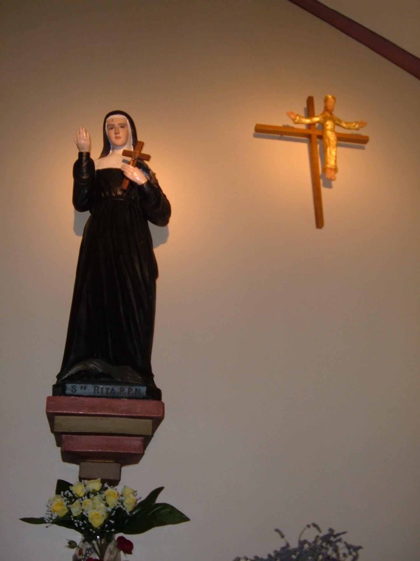 Dans la chapelle Sainte Rita de Curgies