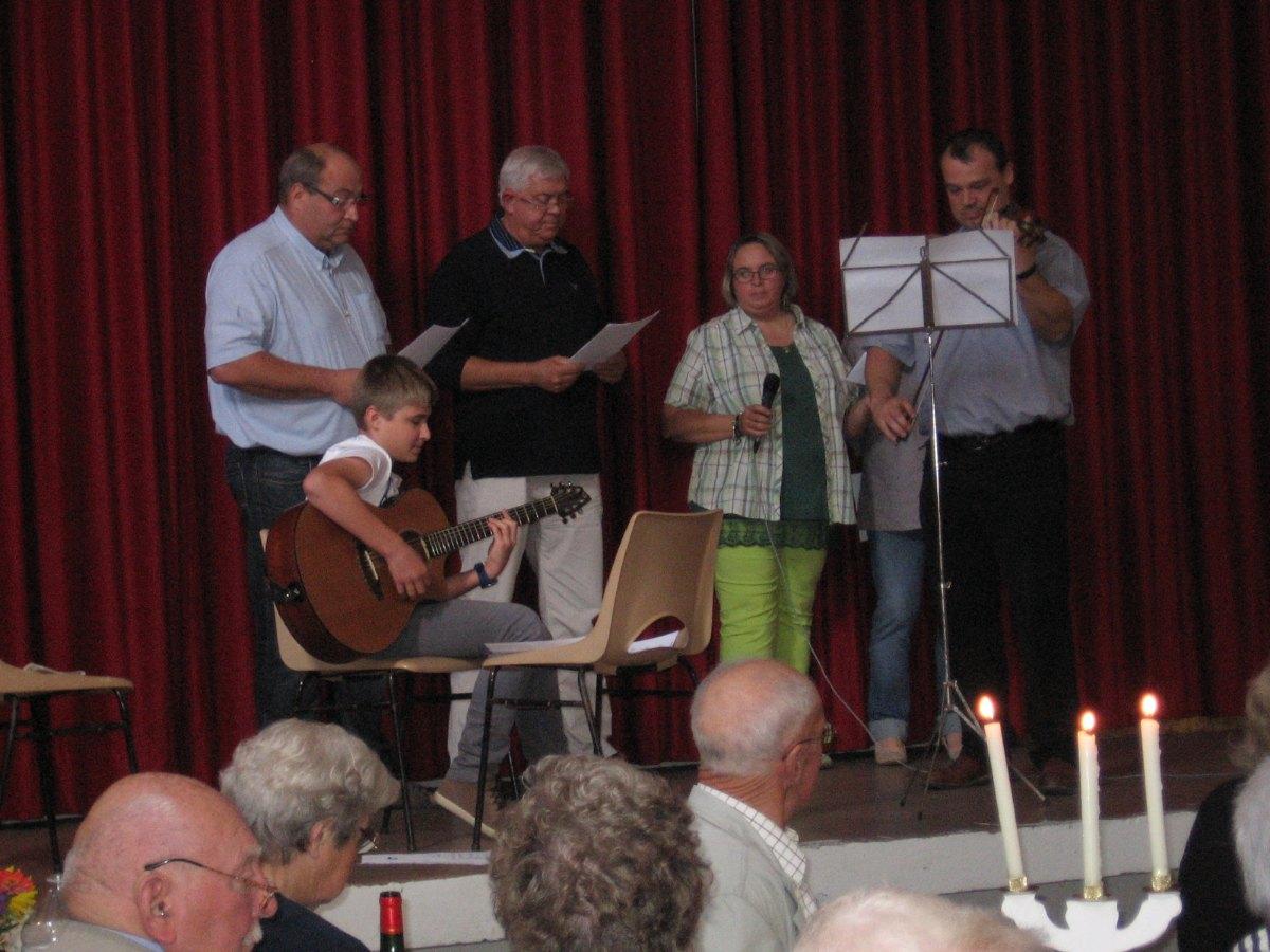 Le doyen au violon, Agnès et Jacques Défossez, et la famille Marquant