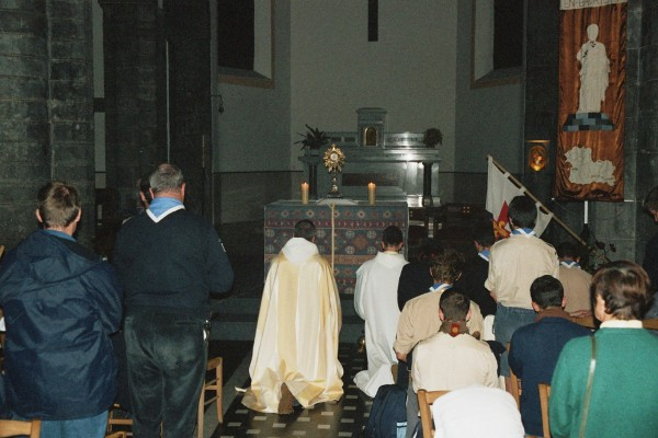 Temps d' Adoration Eucharistique