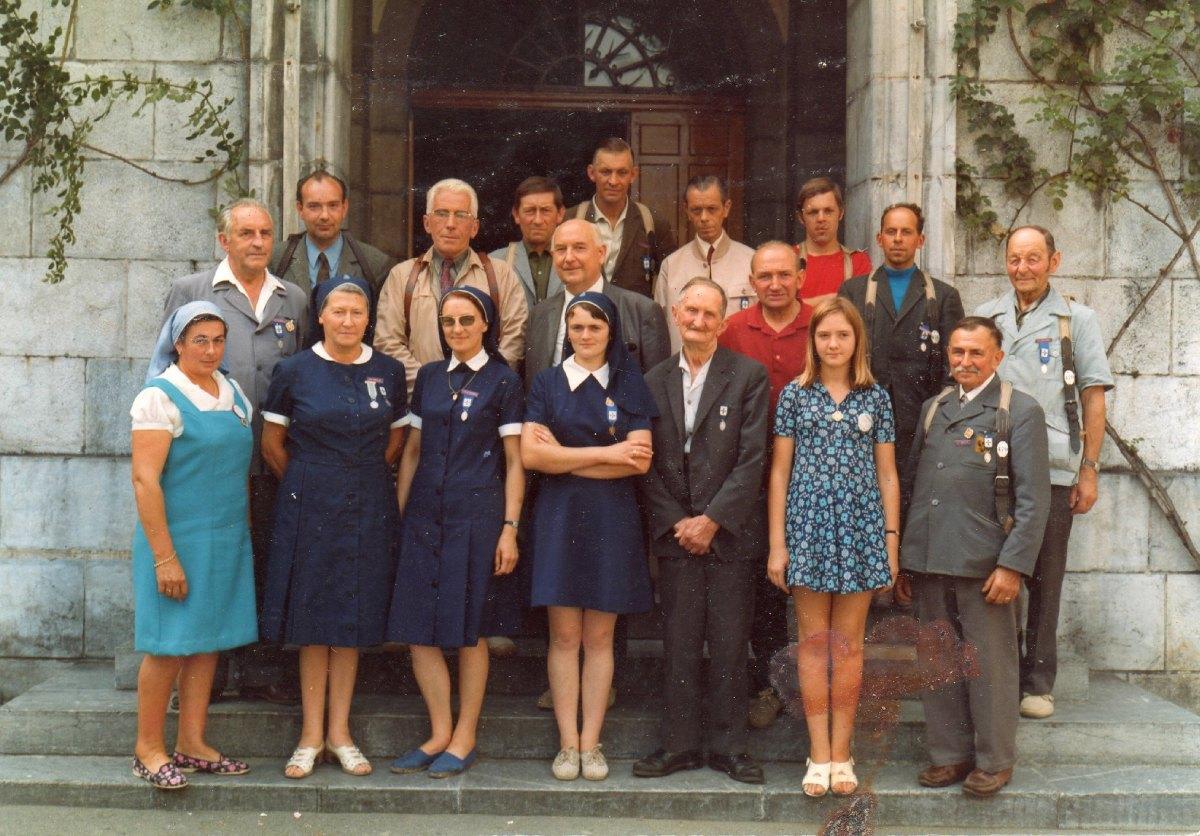 Des hospitaliers et hospitalières du Train Violet en 1975