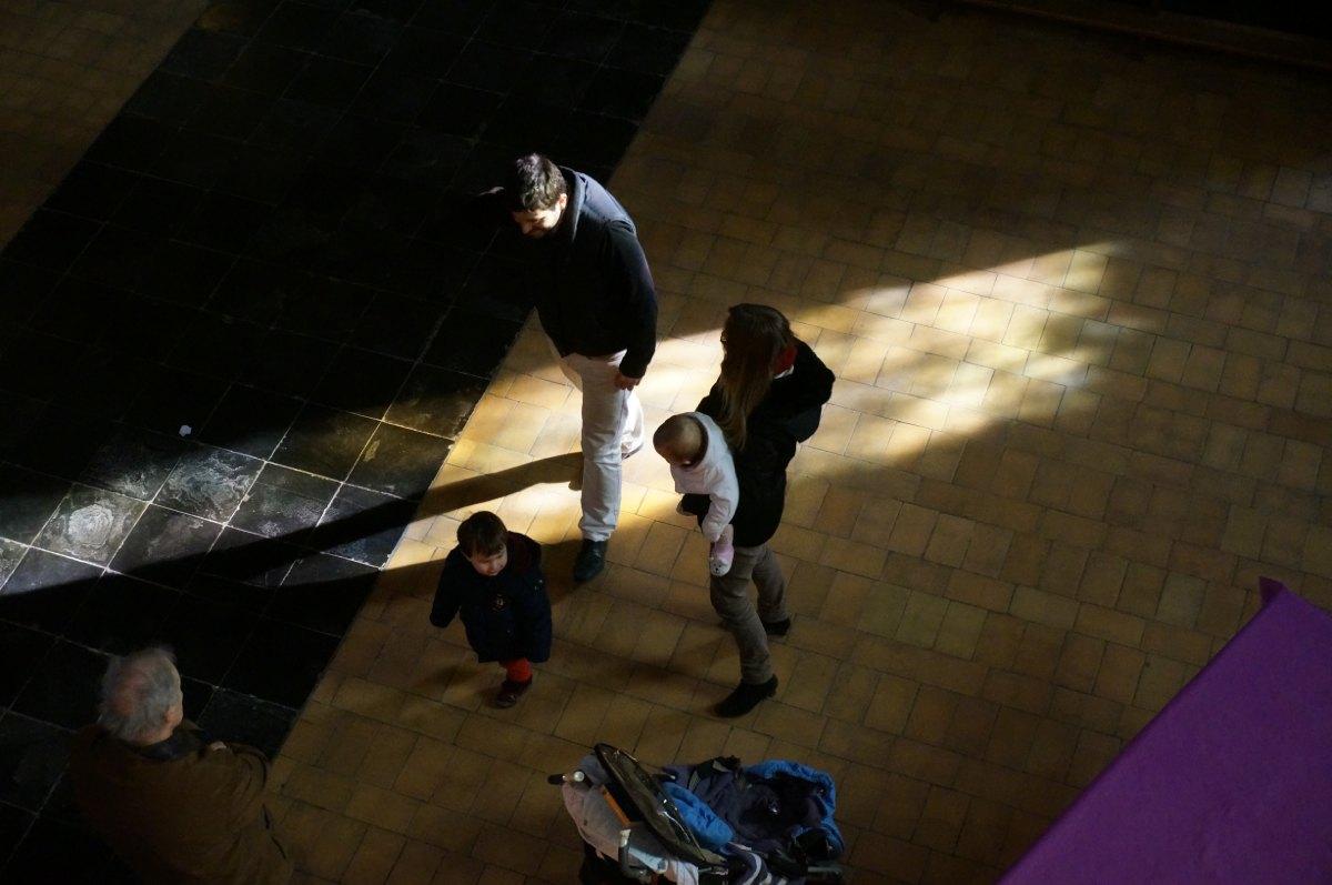 Une famille en mouvement dans la lumière, François