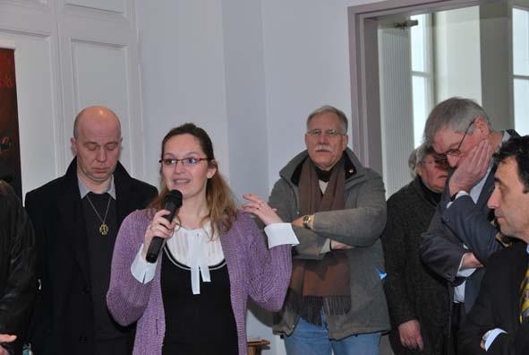 Caroline Biencourt, archiviste au diocèse de Cambrai qui a porté le projet de cette exceptionnelle et unique journée sur le couronnement de Notre Dame du Saint Cordon remercie l'ensemble des acteurs