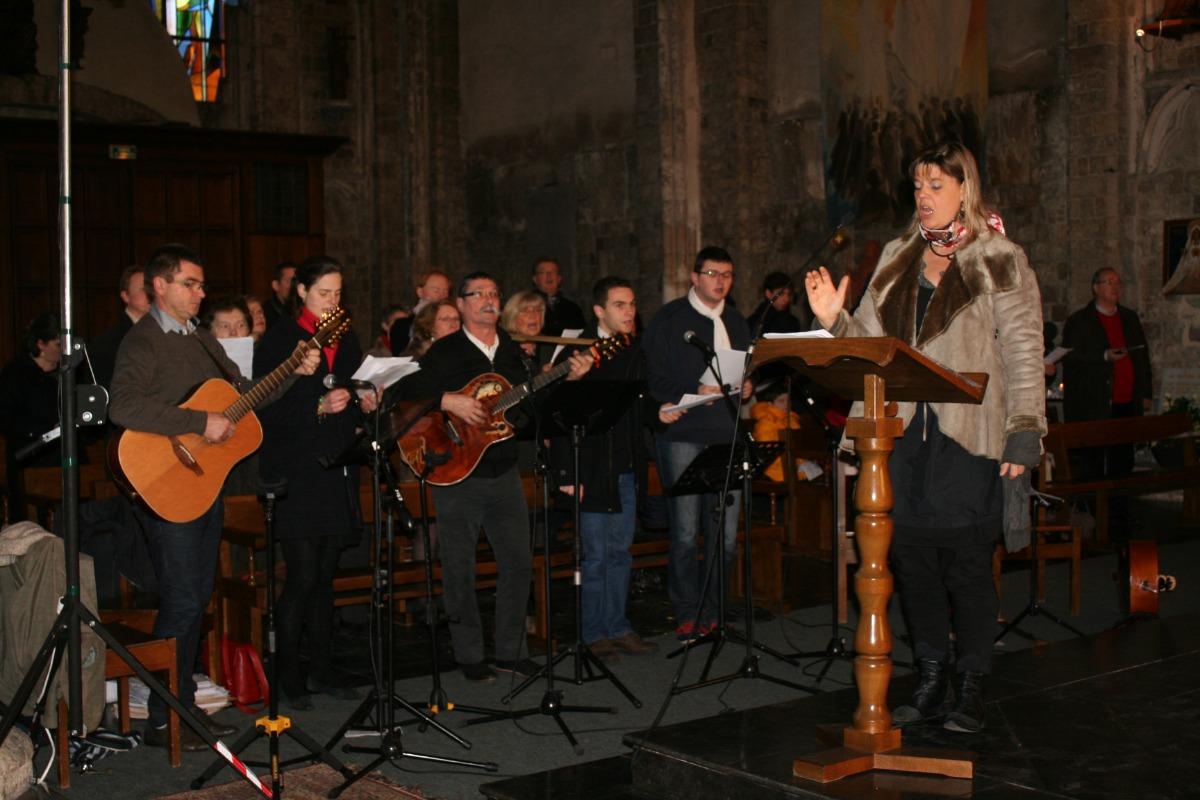 Valérie Gouverneur et la chorale, avec Eric Dannee